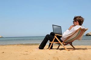 Платится ли аванс если сотрудник в отпуске