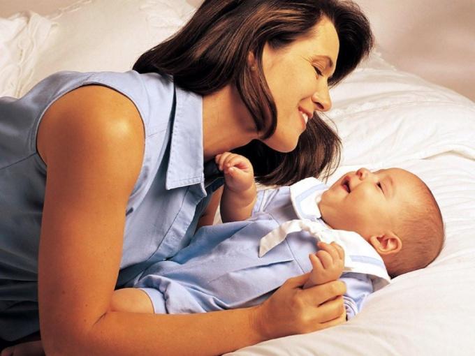 Мать одиночка какую фамилию дать ребенку