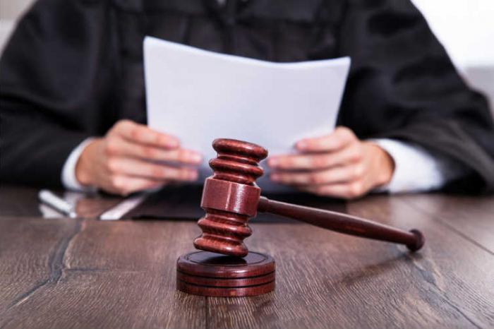 Как выписать временно прописанного - Вопрос по праву