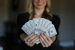 Делятся ли банковские счета при разводе{q}
